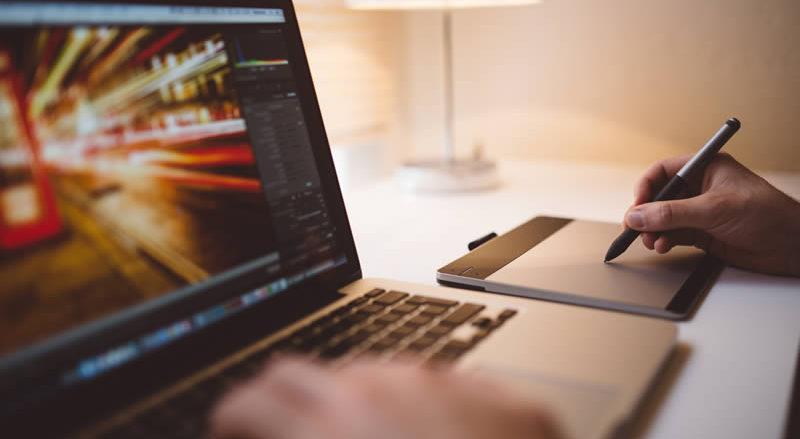 Te explicamos cómo diseñar un folleto con este videotutorial de Adobe Illustrator